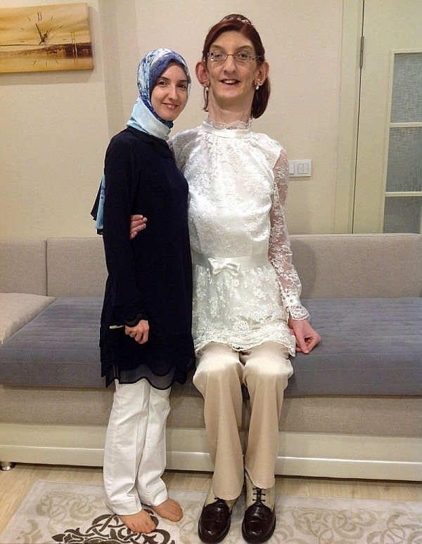Rumeysa Gelgi tallest girl in the world