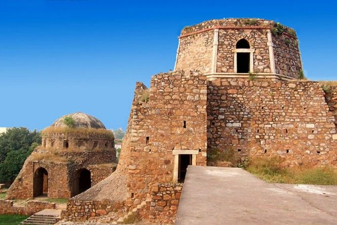 5 Lesser Monuments in Delhi with Historical Significance