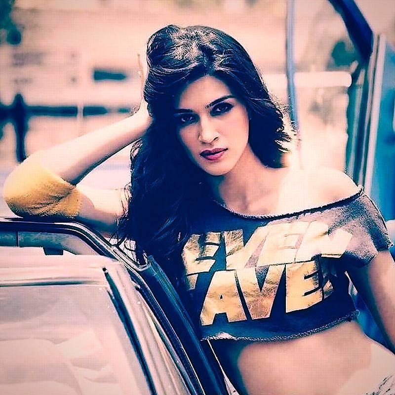 Kriti Sanon New Hd Photosimages Pictures Collection 2019-3497