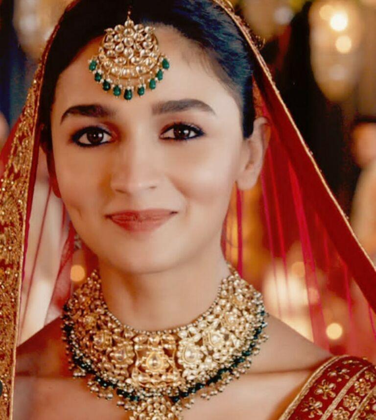 Alia Bhatt Turns A Beautiful Bride! Her Photos Are Giving Us Major 'Shaadi Goals'.