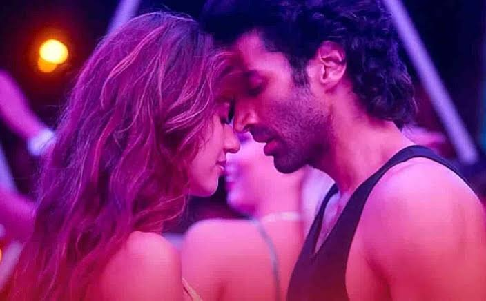 Malang Gets 'A' Certificate: Hot Kissing Scenes Retained, Drug-Related Chopped Off By CBFC