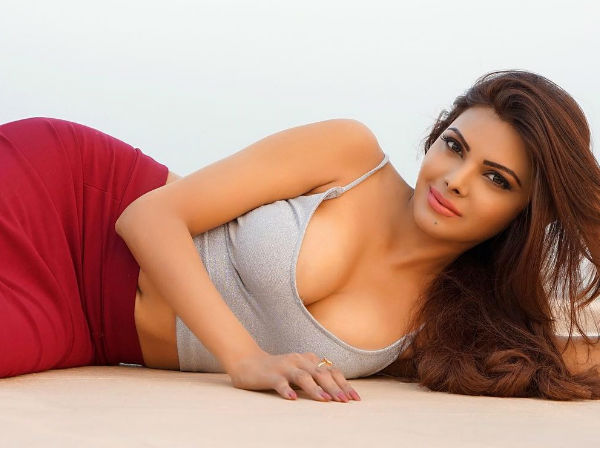 Sherlyn Chopra Shares Her Hot Summer Look Amid Lockdown