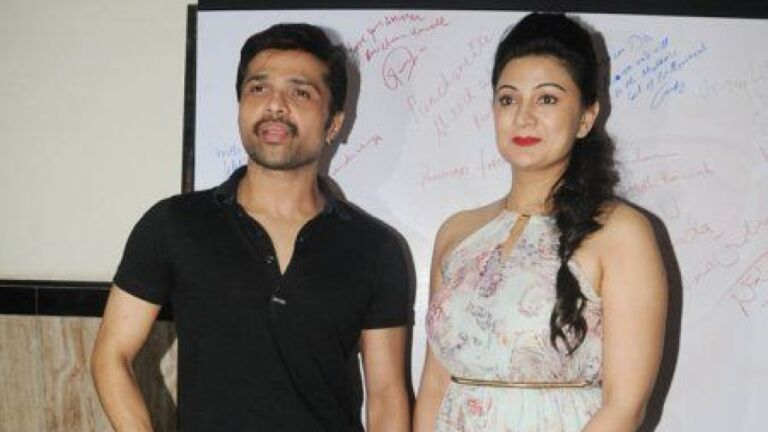 Himesh Reshammiya Composes A Song For Wife On 2nd Anniversary