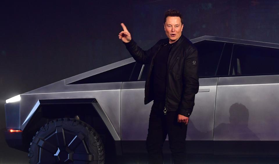 Tesla tumbles after tweet from Elon Musk says stock too high