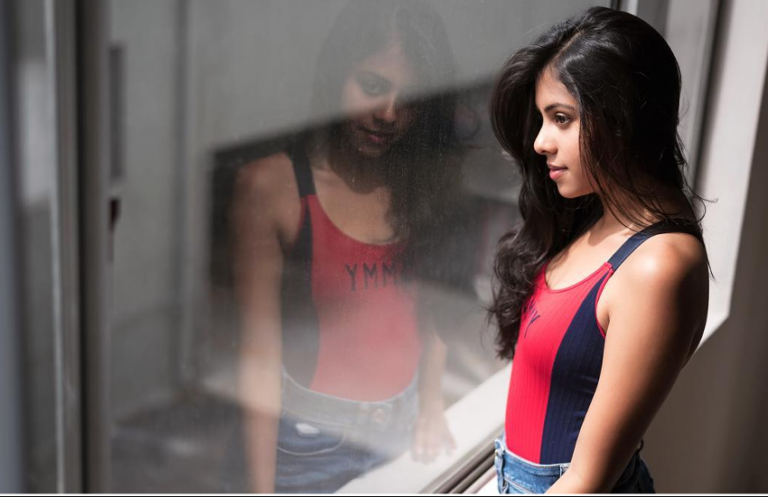 Mithun Chakraborty's Daughter Dishani Chakraborty Is Turning Into Another Hottie In The Town