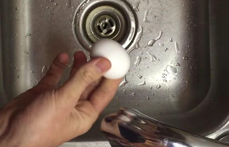 egg peeling trick