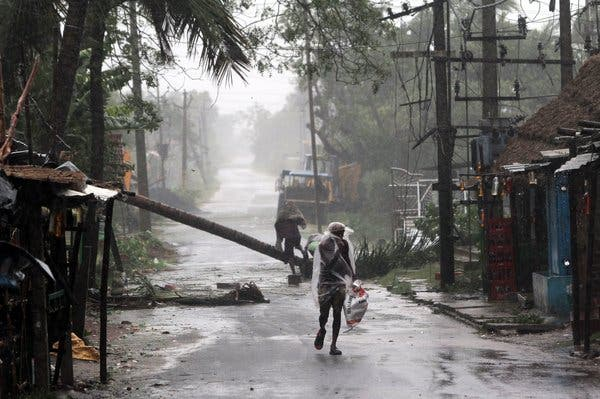 Fresh Videos And Images Of Cyclon Amphan Which Dropped Havoc On Bengal & Odisha