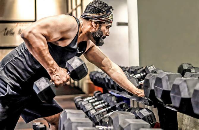 Exclusive! Suniel Shetty's Workout Video Is Worth Watching