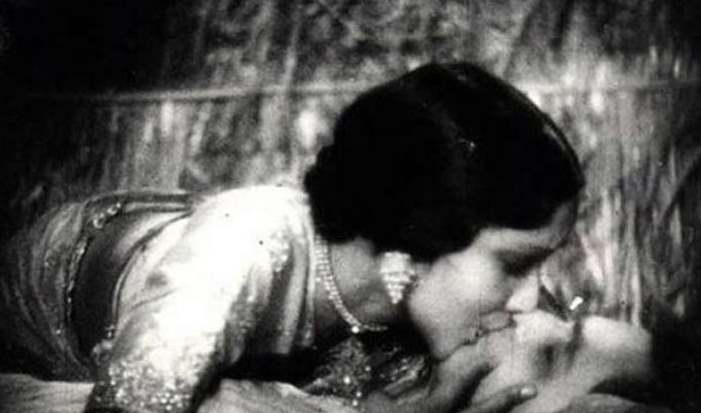 Bollywood's First Liplock Occurred In 1943, Know 7 More Shocking Facts Like This