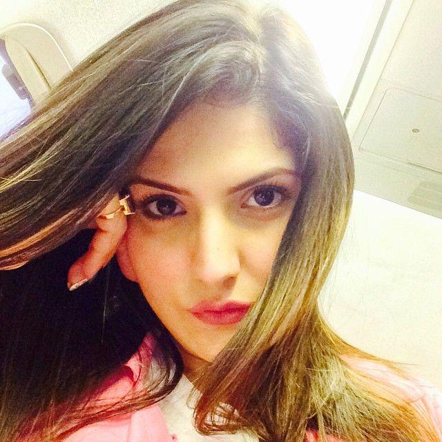 Zarine Khan  Slams Lilavati Hospital: Here's Why