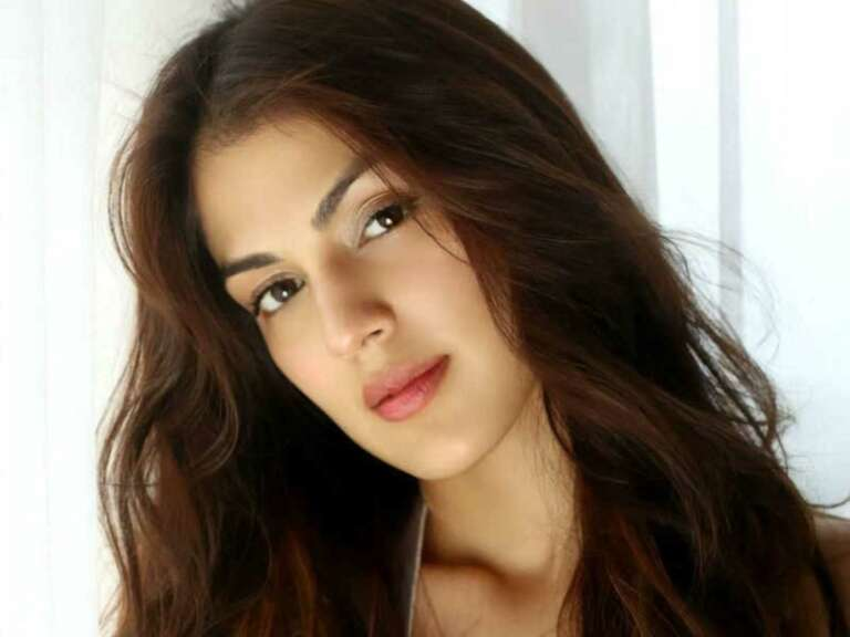 Rhea Chakraborty Names Celebrities Related To Drug Cartel