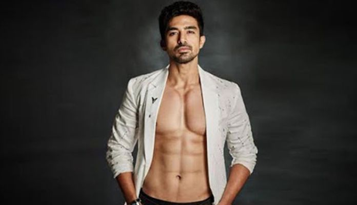 Saqib Saleem Receives Abusive Texts After He Supported Rhea