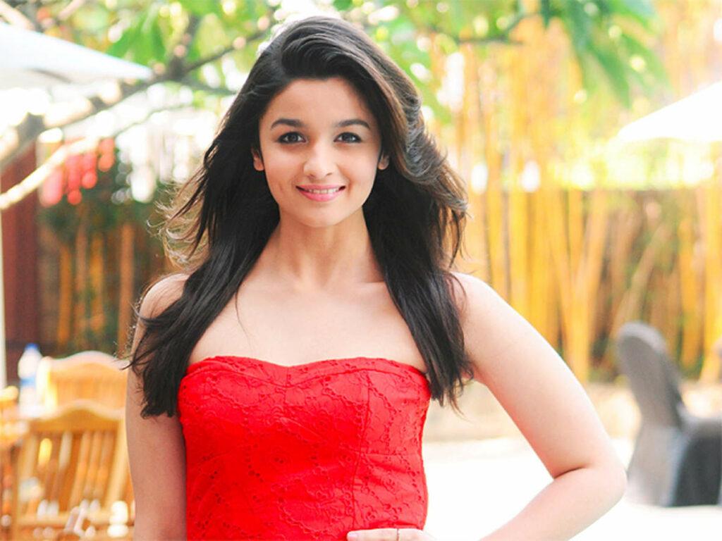 Alia Bhatt Net Worth