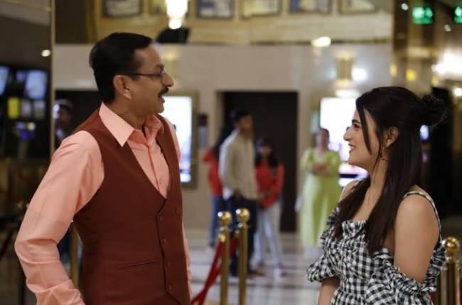 """Popatlal Asks Radhika Madan -""""Aapki Shadi Ho Gayi Hai?"""""""