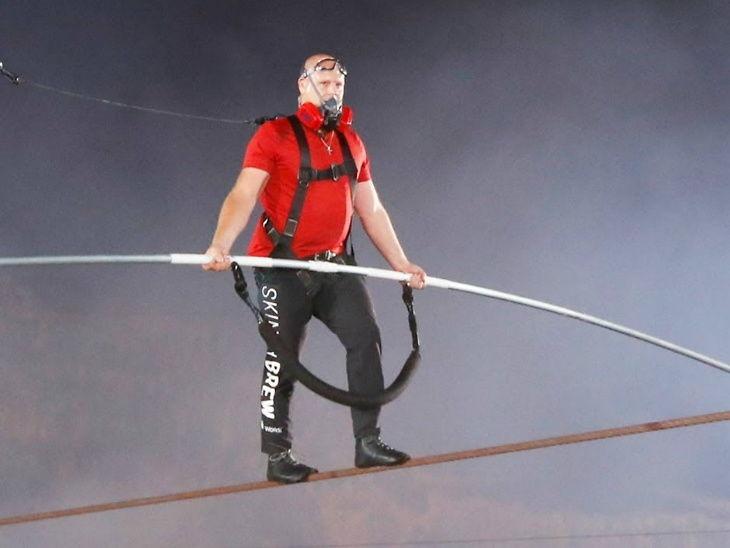 Nik Wallenda Makes Record By Rope Walk 1800 Feet Above Volcano