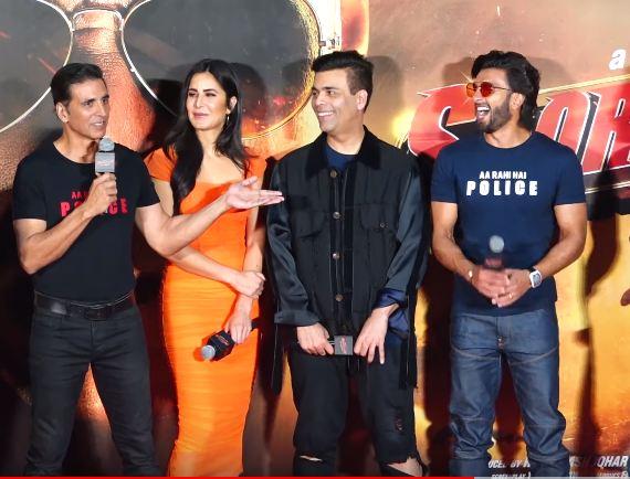 Akshay Kumar Goes ANGRY On Media For INSULTING Ranveer Singh, Watch Video