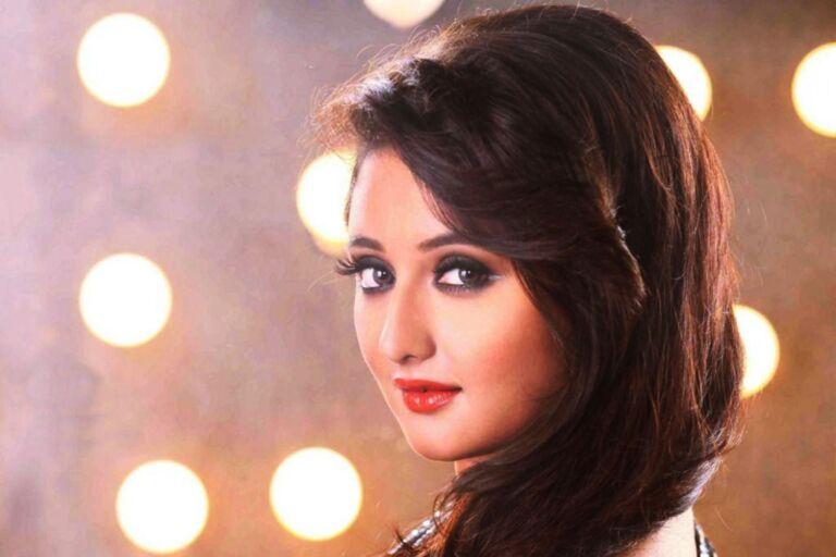 Big Boss Contestant Rashmi Desai Birthday: Must-Know Facts About Her