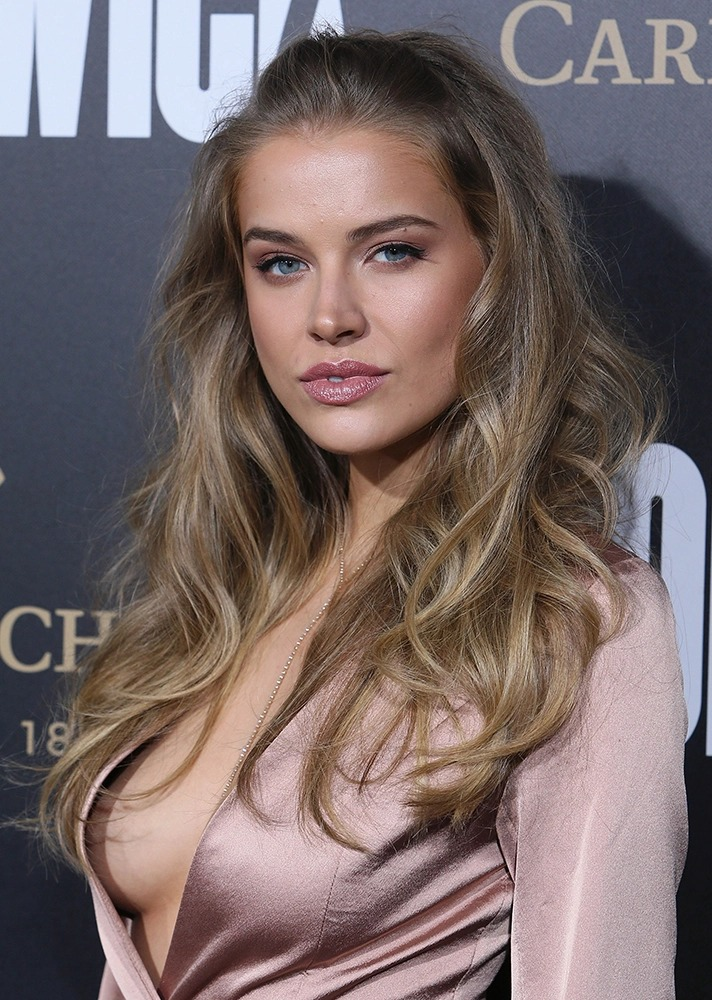 Tanya Mityushina wardrobe malfunction