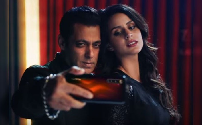 Larissa Bones with Salman Khan in RealMe's Commercial
